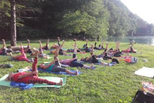 Poletna joga v naravi Završnica Promovita Kranj
